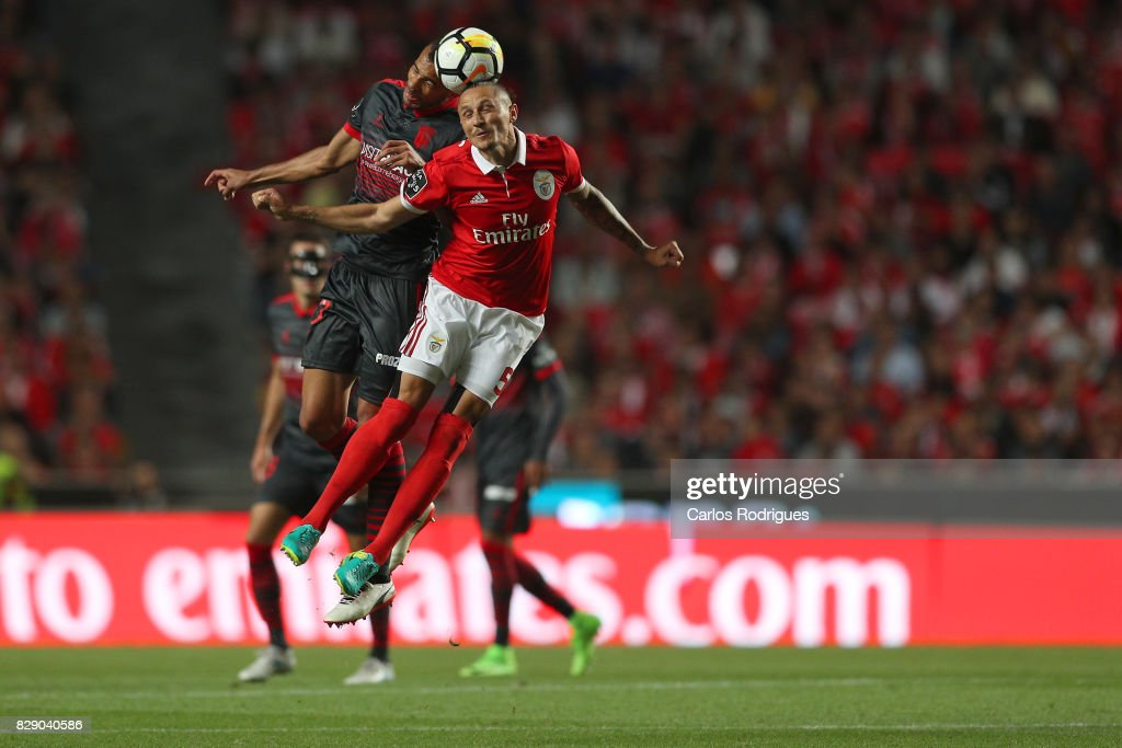 Braga midfielder Fransergio from Brasil (L) vies with Benfica's midfielder Ljubomir Fejsa from Serbia (R) during the match between SL Benfica and SC Braga for the fruit round of the Portuguese Primeira Liga at Estadio da Luz on Agust 09, 2017 in Lisbon, Portugal.