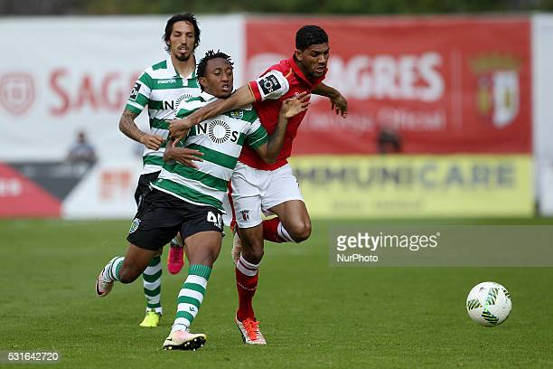 Braga's Brazilian defender Djavan vies with Sporting's Portuguese forward Gelson Martins during the Premier League 2015/16 match between SC Braga and...
