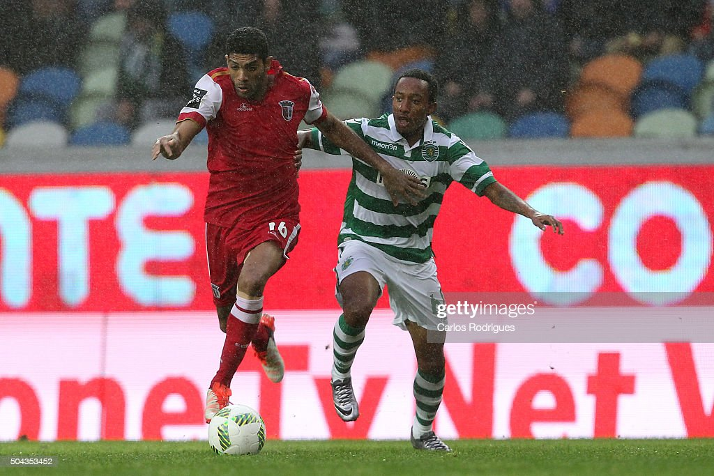 Braga's defender Djavan tries to escape Sporting's forward Gelson Martins during the match between Sporting CP and SC Braga for the Portuguese Primeira Liga at Jose Alvalade Stadium on September 21 2015 in Lisbon, Portugal.