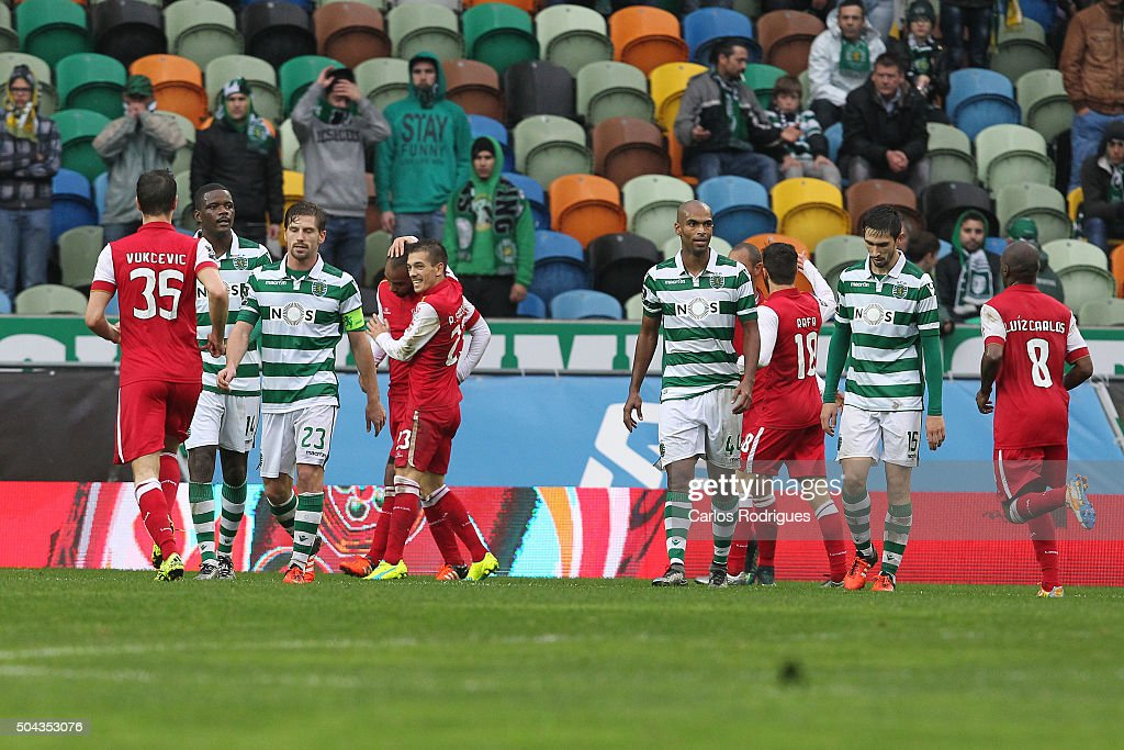 Braga's forward Wilson Eduardo celebrates scoring Braga«s first goal with his team mates during the match between Sporting CP and SC Braga for the Portuguese Primeira Liga at Jose Alvalade Stadium on September 21 2015 in Lisbon, Portugal.