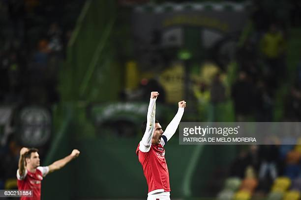 Braga's players celebrate their victory at the end of the Portuguese league football match Sporting CP vs Sporting Braga at the Jose Alvalade stadium...
