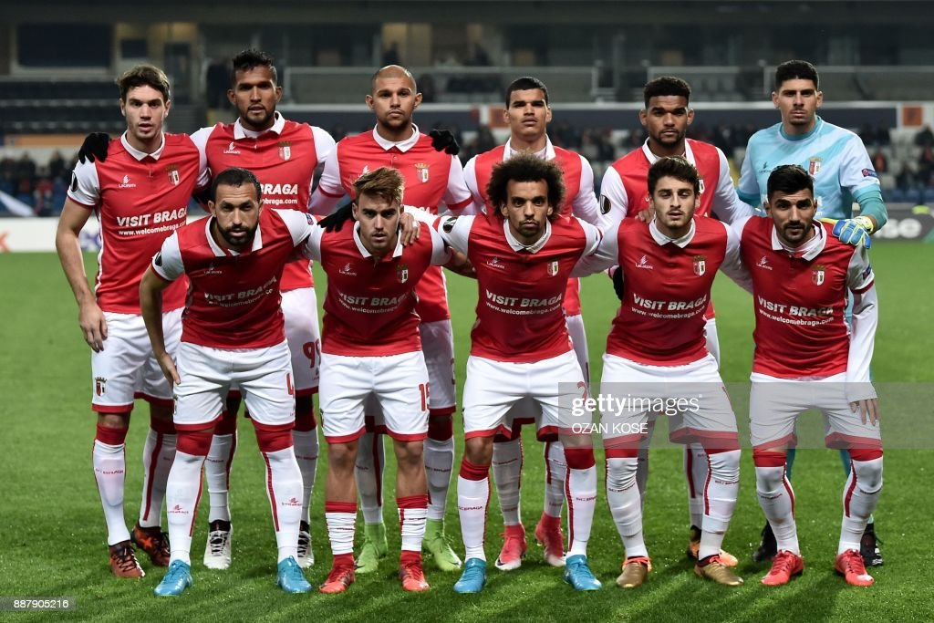 Braga's players pose prior to the UEFA Europa League Group C football match between Istanbul Basaksehir FK and SC Braga at the Fatih Terim Stadium in Istanbul, on December 7, 2017. /
