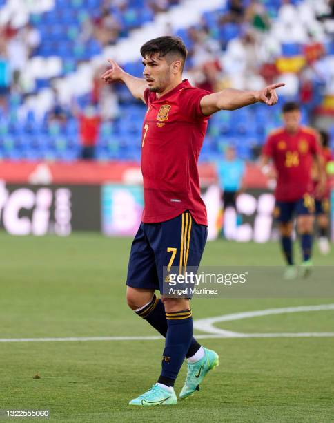 Brahim Diaz of Spain U21 celebrates after scoring their team's second goal during the international friendly match between Spain U21 and Lithuania at...