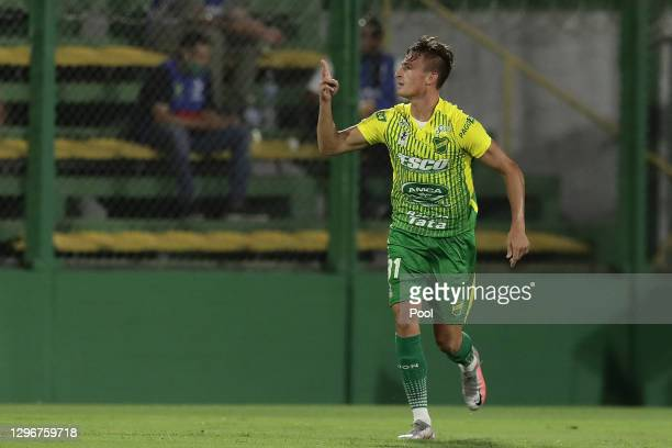 Braian Romero of Defensa y Justicia celebrates after scoring the second goal of his team during a semifinal second leg match between Defensa y...