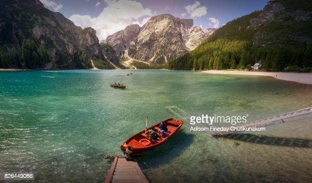 braies lake - dolomites - pragser wildsee stock pictures, royalty-free photos & images