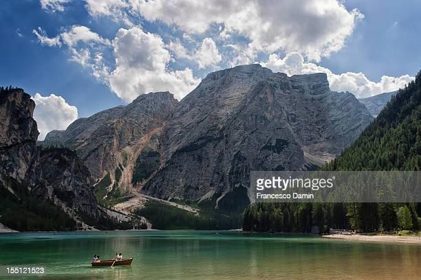braies lake - pragser wildsee stock pictures, royalty-free photos & images