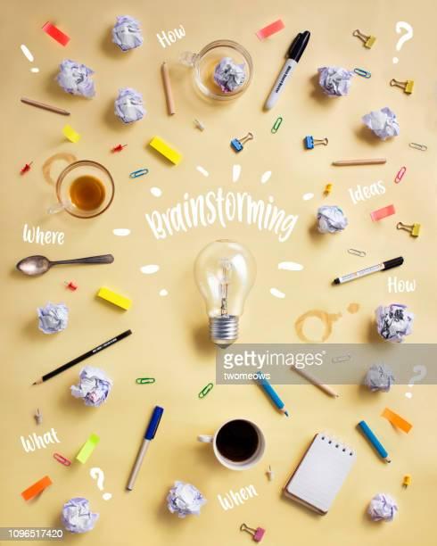 brainstorming concept still life image. - symbool stockfoto's en -beelden
