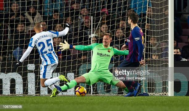 Braithwaite of CD Leganes scores a goal during the La Liga match between FC Barcelona and CD Leganes at Camp Nou on January 20 2019 in Barcelona Spain
