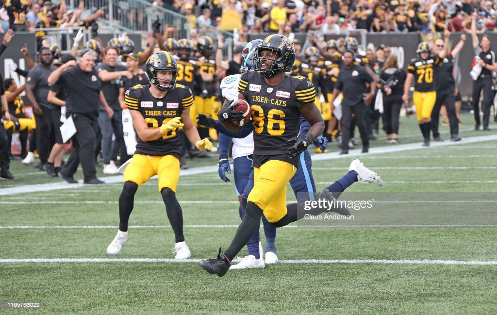 Toronto Argonauts v Hamilton Tiger-Cats : News Photo