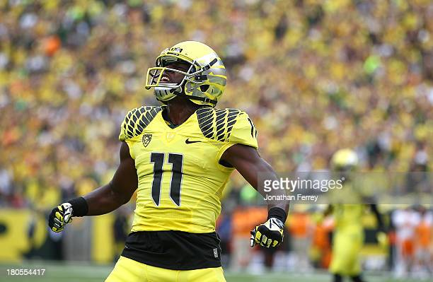 Bralon Addison of the Oregon Ducks celebrates a touchdown against the Tennessee Volunteers on September 14 2013 at the Autzen Stadium in Eugene Oregon