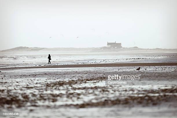 brancaster praia de inverno - norfolk east anglia - fotografias e filmes do acervo