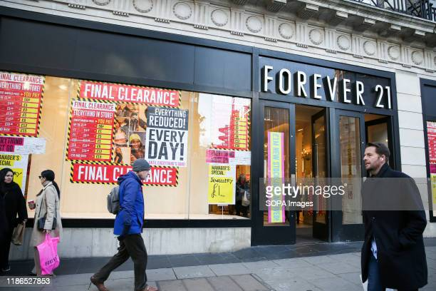Branch of Forever 21 on Oxford Street.