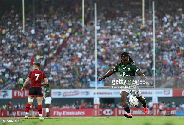 Branco du Preez of South Africa kicks at goal during the Emirates Dubai Rugby Sevens HSBC World Sevens Series Cup Semi Final on December 3 2016 in...