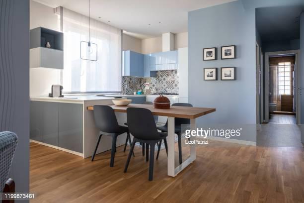 appartement de conception moderne vide de marque pour la location - appartement photos et images de collection