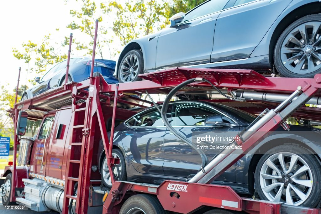 Tesla Delivery : News Photo