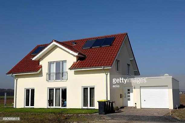 Neues Gelb Familie Haus mit garage