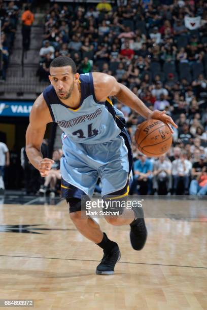 Brandan Wright of the Memphis Grizzlies drives to the basket against the San Antonio Spurs during the game on April 4 2017 at the ATT Center in San...