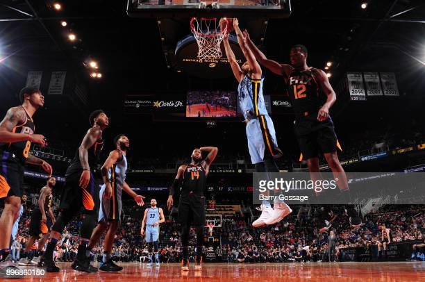 Brandan Wright of the Memphis Grizzlies dunks against the Phoenix Suns on December 21 2017 at Talking Stick Resort Arena in Phoenix Arizona NOTE TO...