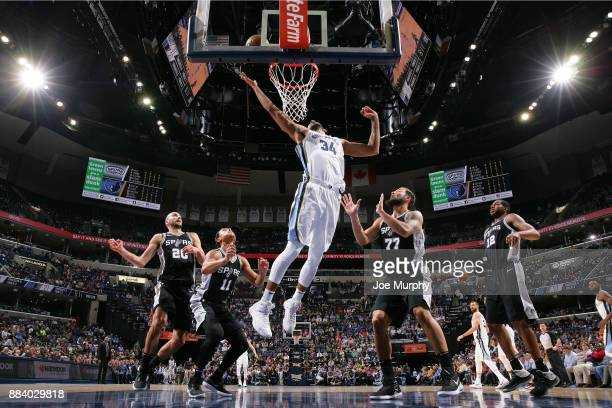 Brandan Wright of the Memphis Grizzlies dunks against the San Antonio Spurs on December 1 2017 at FedExForum in Memphis Tennessee NOTE TO USER User...