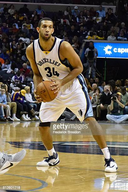 Brandan Wright of the Memphis Grizzlies plays against the Los Angeles Lakers at FedExForum on February 24 2016 in Memphis Tennessee NOTE TO USER User...