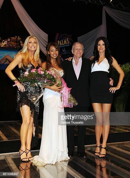 Brande Roderick 2009 Playmate of the Year Ida Ljungqvist Hugh Hefner and Jayde Nicole at Palms Hotel Casino on May 2 2009 in Las Vegas Nevada