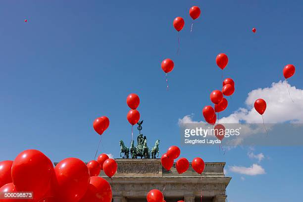 Brandenburg Gate and balloons