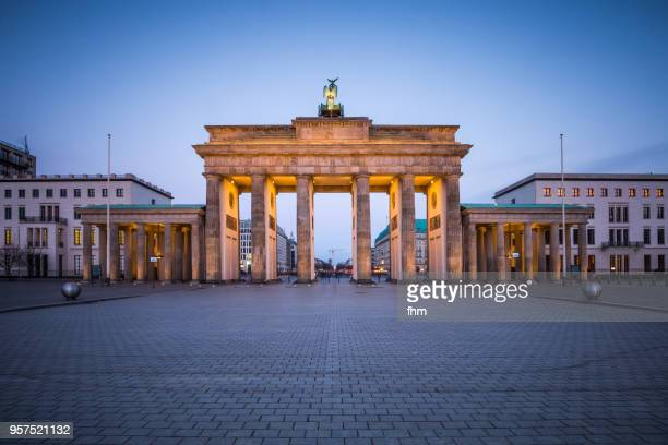 Brandenburger Tor (Brandenburg Gate) - (Berlin, Germany)