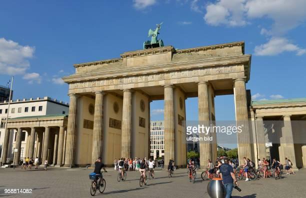 Brandenburger Tor, Platz des 18. Maerz, Mitte, Berlin, Deutschland