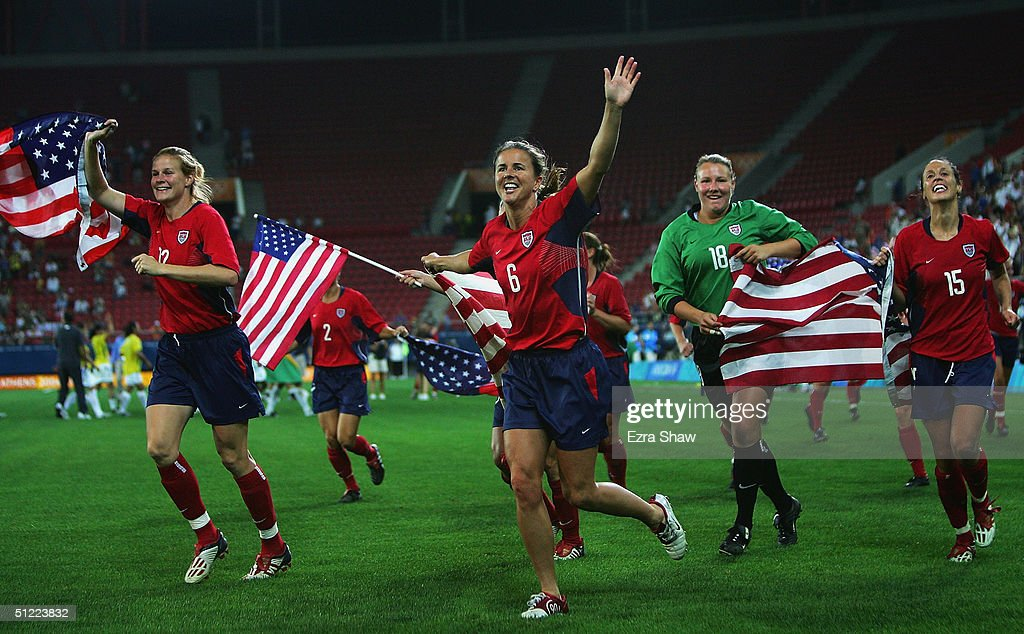 Womens Football Gold Contest USA v BRA : News Photo