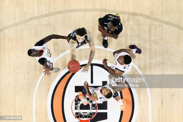 Brandon Ashley of the Breakers goes to the basket during the round five NBL match between the New Zealand Breakers and the Cairns Taipans at Spark...