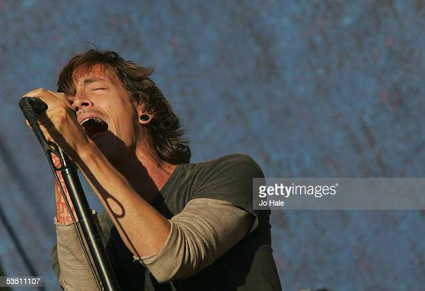 Brandon Boyd of Incubus performs on stage during the third and final day of The Carling Weekend Reading Festival at Richfield Avenue on August 28...