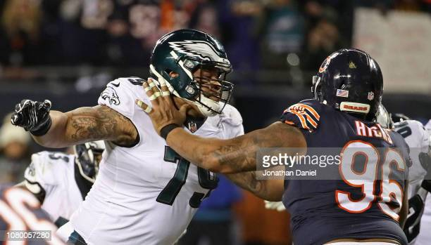 Brandon Brooks of the Philadelphia Eagles blocks Akiem Hicks of the Chicago Bears during an NFC Wild Card playoff game at Soldier Field on January 6...