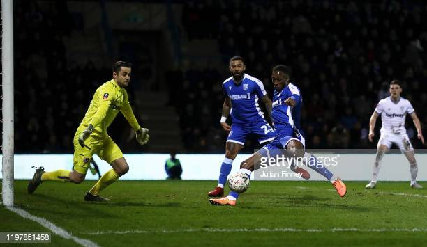 Brandon Hanlan of Gillingham misses a big chance on goal during the FA Cup Third Round match between Gillingham FC and West Ham United at MEMS...
