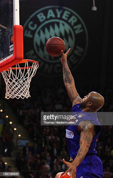 Brandon Hunter of Bayreuth scores during the Beko BBL Basketball match FC Bayern Muenchen against BBC Bayreuth at AudiDome on December 29 2011 in...