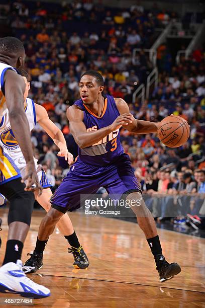 Brandon Knight of the Phoenix Suns drives against the Golden State Warriors on March 9 2015 at US Airways Center in Phoenix Arizona NOTE TO USER User...