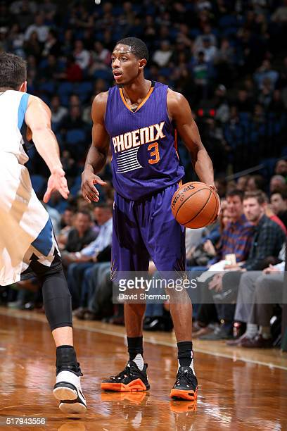 Brandon Knight of the Phoenix Suns handles the ball during the game against the Minnesota Timberwolves on March 28 2016 at Target Center in...