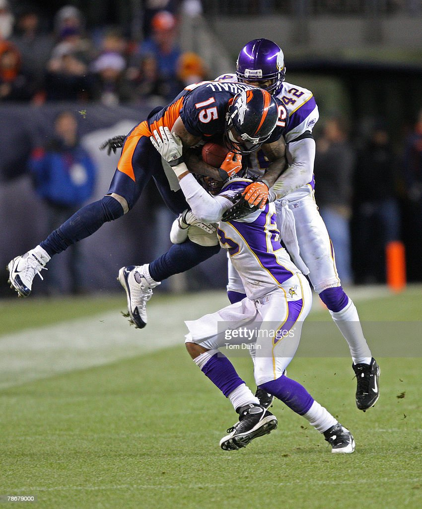 Brandon Marshall #15 of the Denver Broncos makes a catch at an NFL game against the Minnesota Vikings at Invesco Field at Mile High December 30, 2007 in Denver, Colorado.