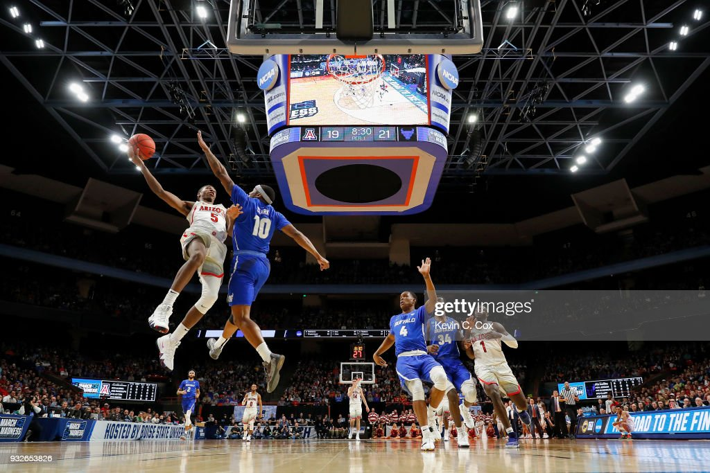 Brandon Randolph #5 of the Arizona Wildcats drives to the basket against Wes Clark #10 of the Buffalo Bulls in the first half during the first round of the 2018 NCAA Men's Basketball Tournament at Taco Bell Arena on March 15, 2018 in Boise, Idaho.