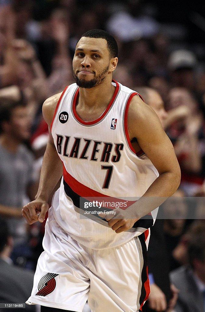 Dallas Mavericks v Portland Trail Blazers - Game Four : News Photo