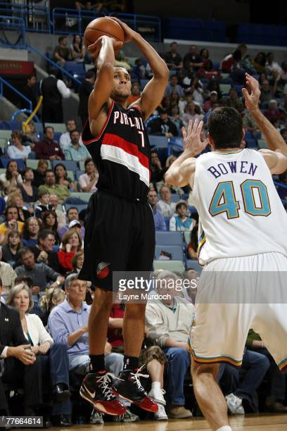 Brandon Roy of the Portland Trail Blazers shoots over Ryan Bowen of the New Orleans Hornets on November 2 2007 at the New Orleans Arena in New...