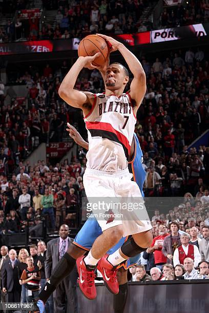 Brandon Roy of the Portland Trail Blazers shoots the ball against the Oklahoma City Thunder on November 4 2010 at the Rose Garden Arena in Portland...