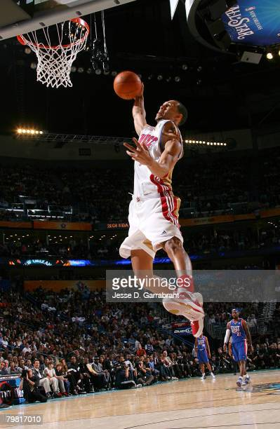 Brandon Roy of the Western Conference dunks during the Sprite Slam Dunk Contest part of 2008 NBA AllStar Weekend at the New Orleans Arena on February...