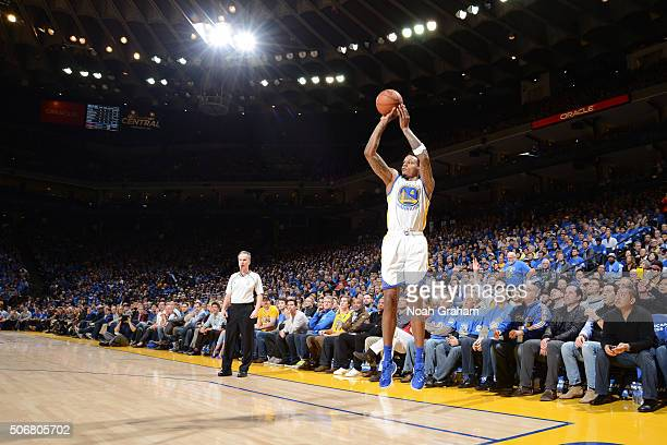 Brandon Rush of the Golden State Warriors shoots against the San Antonio Spurs on January 25 2016 at Oracle Arena in Oakland California NOTE TO USER...