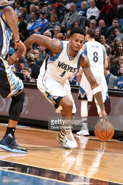 Brandon Rush of the Minnesota Timberwolves drives to the basket against the Memphis Grizzlies on November 1 2016 at Target Center in Minneapolis...