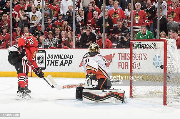 Brandon Saad of the Chicago Blackhawks scores on goalie Frederik Andersen of the Anaheim Ducks in the first period in Game Four of the Western...