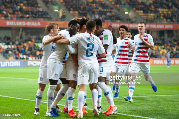 Brandon Servania of USA celebrates scoring the goal with team mates during the FIFA U20 World Cup match between Ukraine and USA on August 19 2019 in...