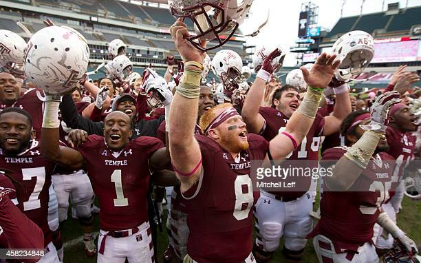 Brandon Shippen, Tavon Young, Tyler Matakevich, Peter Calderone and the rest of the Temple Owls sing the schools fight song after defeating the East...
