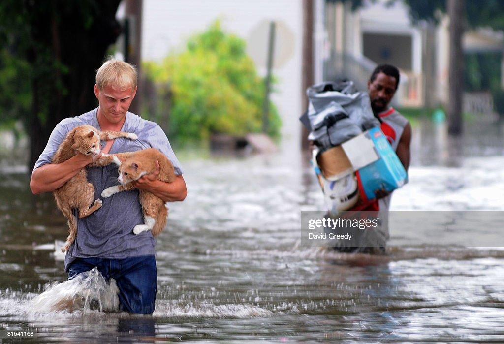 Iowa Faces Next Round Of Flooding : News Photo