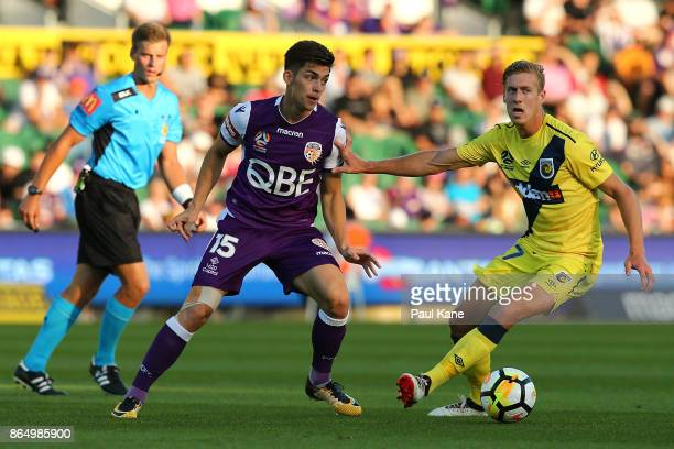 Brandon Wilson of the Glory passes the ball during the round three ALeague match between Perth Glory and the Central Coast Mariners at nib Stadium on...