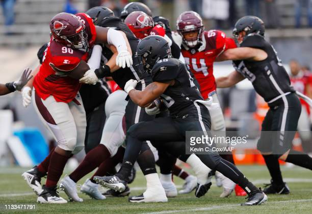 BrandonRoss of the Birmingham Iron runs with the ball against the San Antonio Commanders in an Alliance of American Football game at Legion Field on...